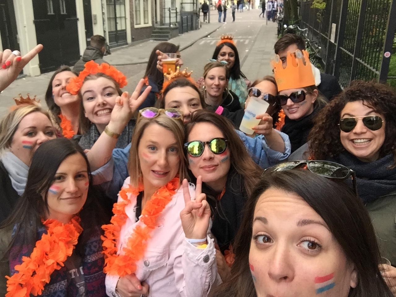 Amsterdam_KingsDay2017_friends